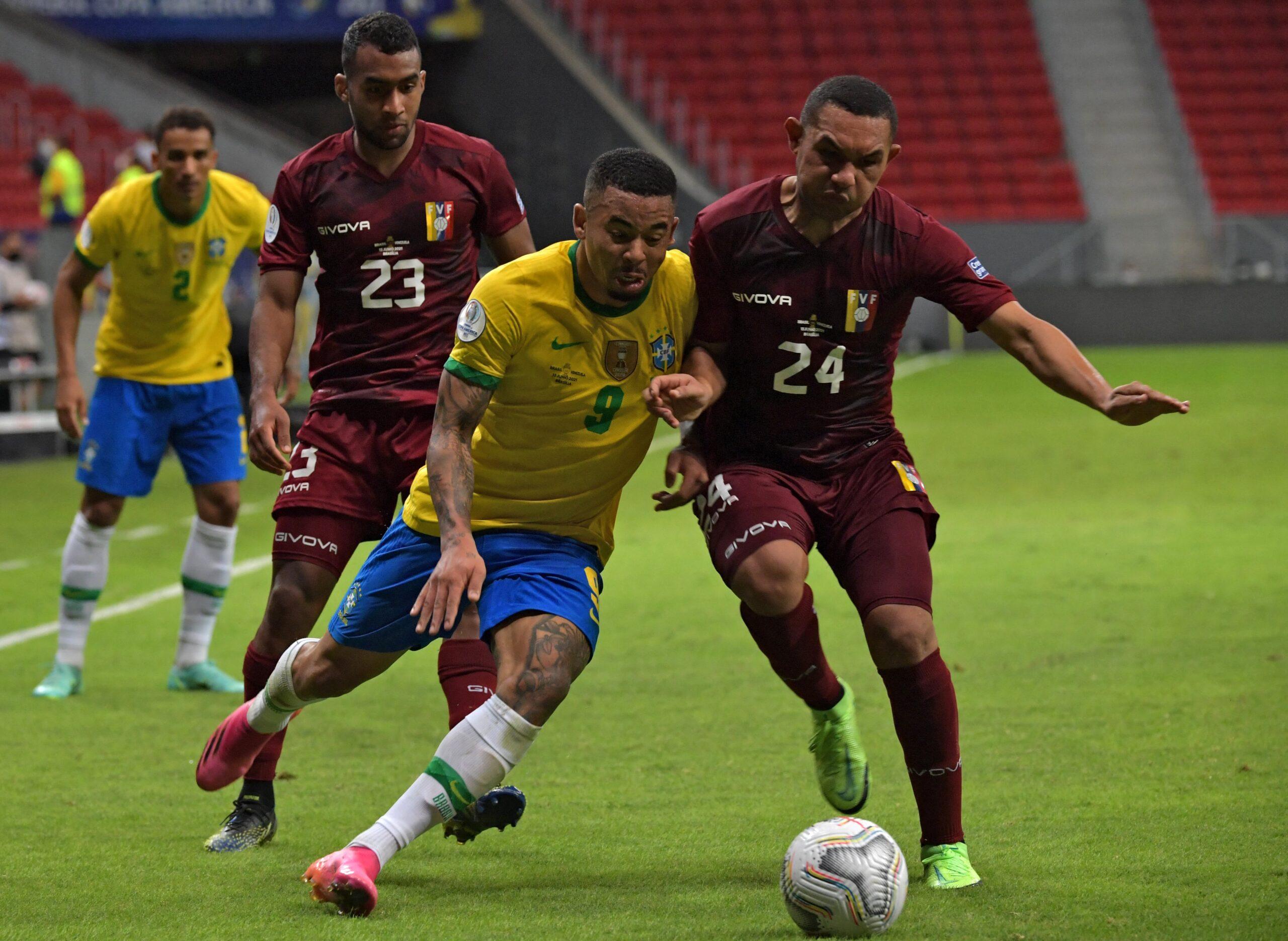 Brasil goleó a Venezuela en el comienzo de la Copa América